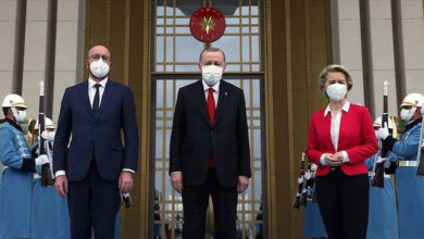 """صحيفة فرنسية: تركيا """"ضحية"""" لخلافات بروكسل"""