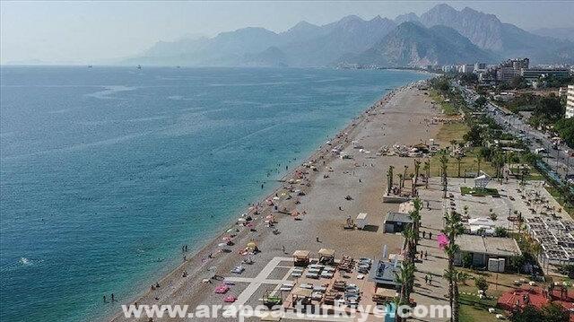 تركيا.. أنطاليا تستقبل أكثر من نصف مليون سائح خلال أيام العيد
