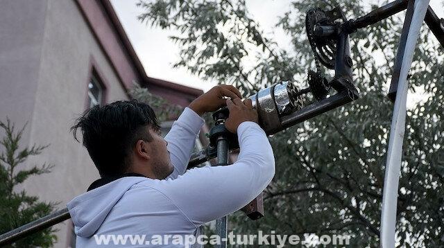 """تركي يصنع """"توربينات رياح"""" لتوليد الكهرباء من المخلفات"""