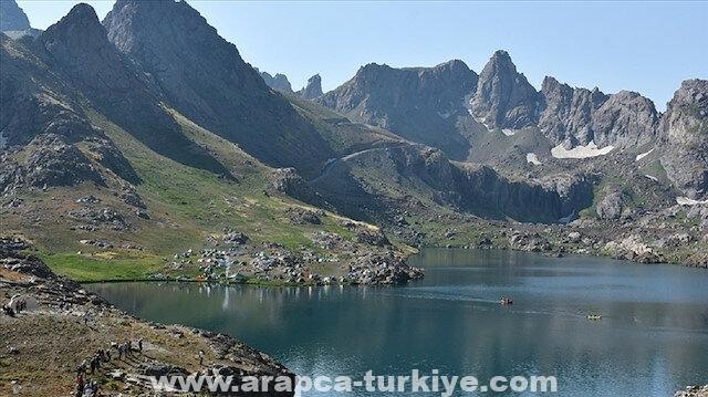 هكاري التركية تفتح ذراعيها لعشاق الطبيعة والمغامرة