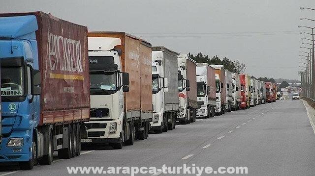 عبر تركيا.. 37 شاحنة مساعدات أممية تدخل إدلب