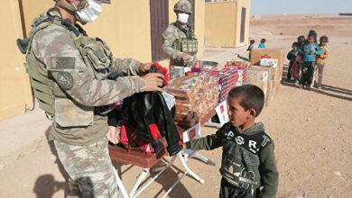الجيش التركي يواصل مد يد العون للمحتاجين شمالي سوريا